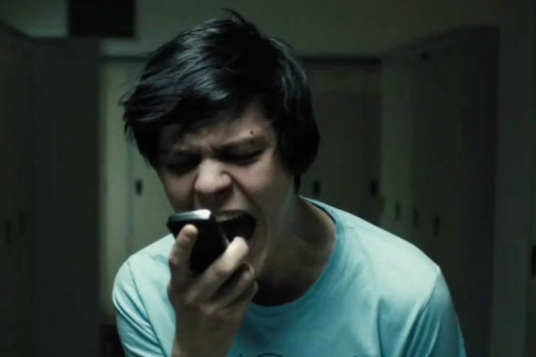"""Jakub Gierszał w filmie """"Sala samobójców"""" (2011) Jana Komasy."""