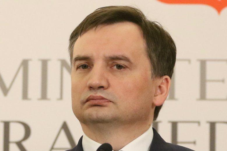 Zbigniew Ziobro wycofuje proponowane zmiany w artykule 212 Kodeksu Karnego.