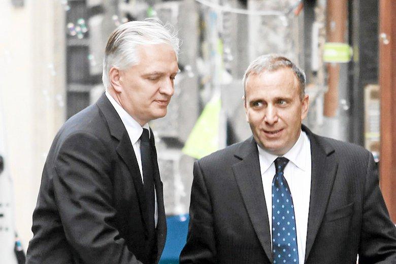 Szef PO Grzegorz Schetyna postanowił przypomnieć Jarosławowi Gowinowi, jak może rozwiązać swoje rozterki związane z polityką Zjednoczonej Prawicy.