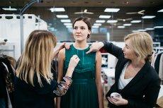 Sukienka to praca zespołowa - nad wykonaniem dowolnego elementu kolekcji pracuje co najmniej kilku różnych specjalistów