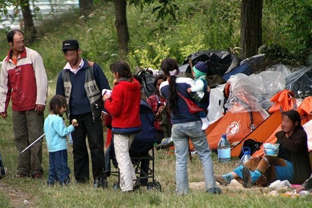 Rząd wyda prawie 75 mln zł na to, by podjąć próbę zintegrowania Romów z polskim społeczeństwem.