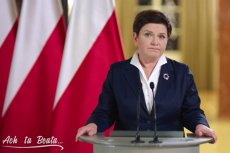 Internauci bezlitośnie kpią z Prawa i Sprawiedliwości. Przeróbka orędzia premier Beaty Szydło to prześmieszna satyra polityczna.