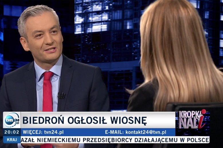 """Robert Biedroń w """"Kropce nad i"""" zdradzał oznaki zdenerwowania po trudnych pytaniach Moniki Olejnik."""