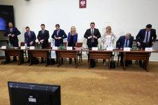 Sejmowa komisja śledcza badająca aferę Amber Gold ponownie przesłuchała prokuratora Dariusza Różyckiego.