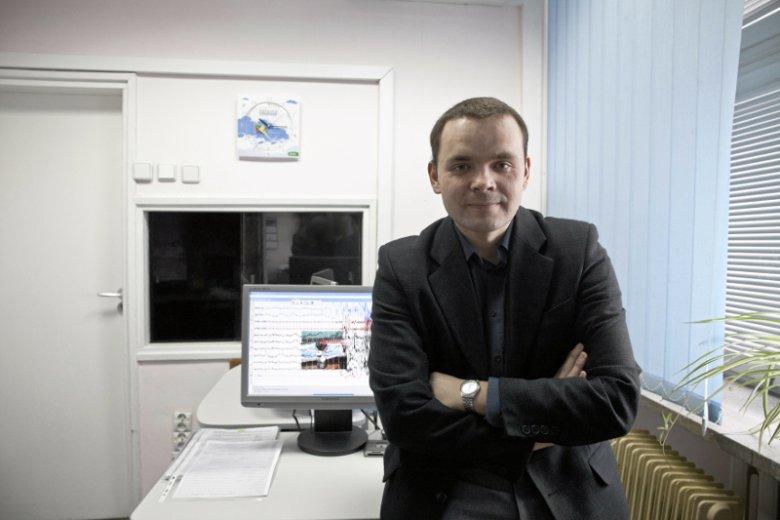 Dr hab. Adam Wichniak, specjalista medycyny snu z Instytutu Psychiatrii i Neurologii w Warszawie, zwraca uwagę na problem otyłości w kontekście niedoboru snu
