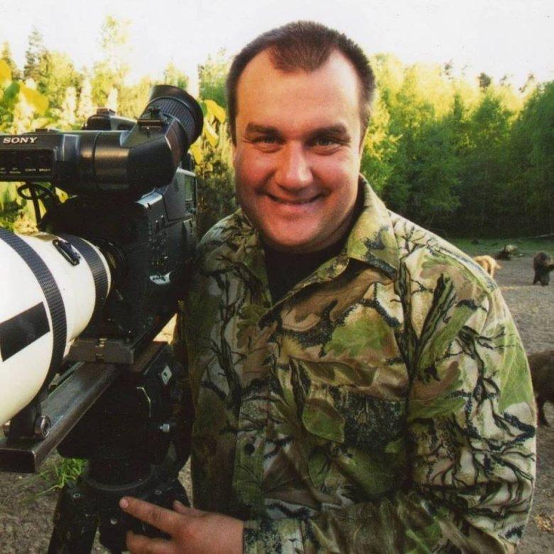 Marcin Kostrzyński, z wykształcenie leśnik, członek PZŁ, pasjonat przyrody.