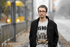 Samuel Pereira z TVP Info chciał dopiec posłance Kamili Gasiuk-Pihowicz, ale zaliczył wpadkę.