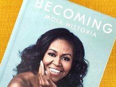 """""""Becoming"""" Michelle Obamy to bestseller. Na całym świecie sprzedano już 10 mln egzemplarzy."""