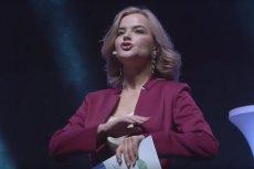 Monika Zamachowska reklamuje Future Net na konwencji w Makau.