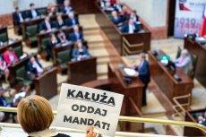 Na sesje sejmiku województwa śląskiego wciąż przychodzą aktywiści przypominający, w jaki sposób PiS przejął władzę na Śląsku.