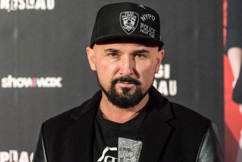 Patryk Vega podpadł Monice Banasiak, byłej żonie gangstera Słowika.