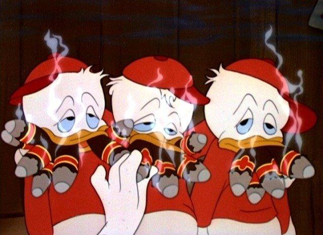 """Disney już dekady temu , w kreskówce z 1949 r. """"Donald's Happy Birthday, sugerował, że palenie zabija. Niemniej jednak palące postacie pojawiały się w bajkach regularnie. To m.in. Cruella De Mon ze """"101 dalmatyńczyków""""."""