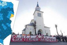 Hajnówka - jedyny taki powiat w Polsce wschodniej. W wyborach Koalicja Obywatelska pokonała PiS. Na zdjęciu - hajnowski kościół Podwyższenia Krzyża w dniu marszu pamięci Żołnierzy Wyklętych.