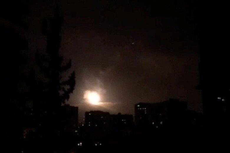 Syryjskie MSZ potępiło atak USA, Francji i Wielkiej Brytanii, który rozpoczął się w nocy z piątku na sobotę.