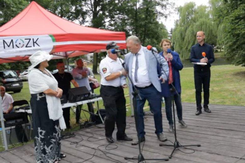 Wójt Jakubowski zakłócił imprezę. Policja stwierdziła u niego ponad 2 promile alkoholu.