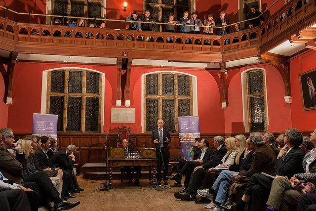 Debata w Oxford Martin School (listopad 2012)