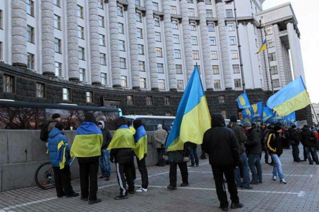 Rewolucja na Majdanie umiera, tłum protestujących Ukraińców topnieje