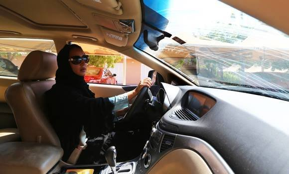 Mimo że saudyjskie Ministerstwo Spraw Wewnętrznych zeszłoroczny strajk ogłosiło nielegalnym, kobiety wsiadły do samochodów!
