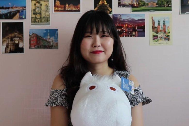 Korenka to studentka polonistyki z Seulu. Jej kanał na YouTubie istnieje dopiero kilka miesięcy, ale już ma mnóstwo stałych obserwatorów
