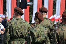 Do klasy narodowo - matematycznej idzie młodzież, która jest silnie związana z krajem i gotowa jego do obrony Polski.