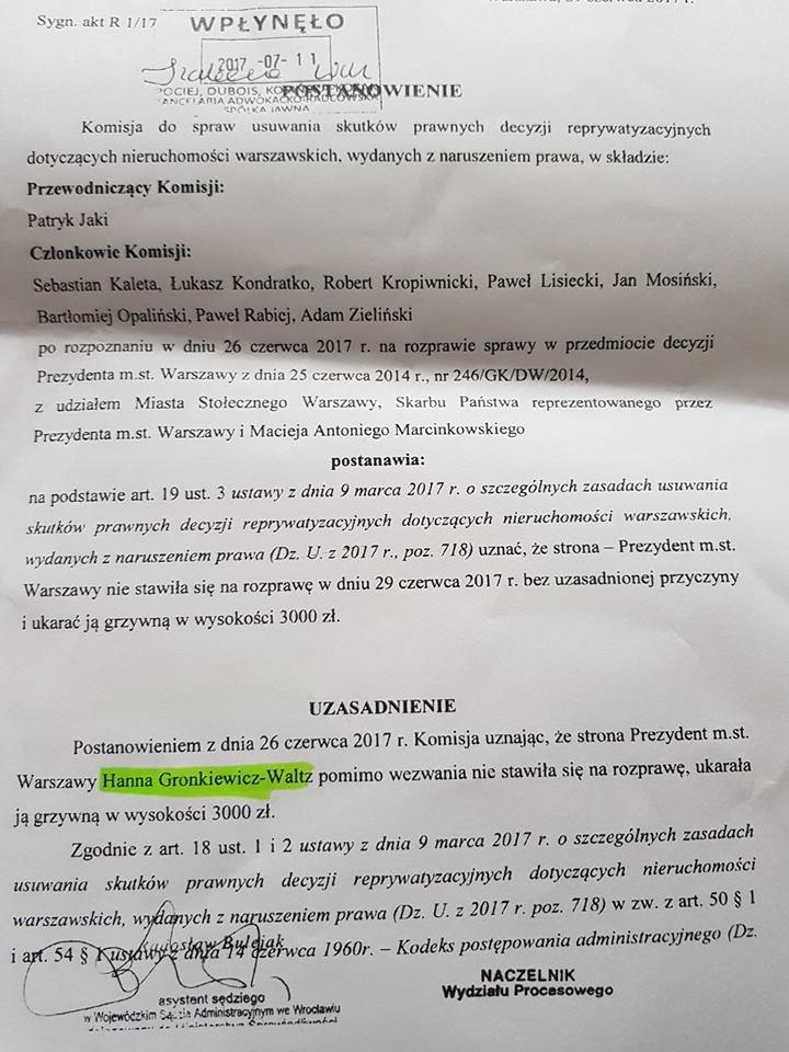 To zdjęcie postanowienia o ukaraniu prezydenta miasta stołecznego Warszawy przywoływane przez Patryka Jakiego.