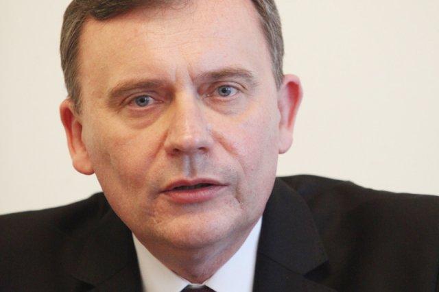 Poseł Paweł Bejda (PSL) jest przekonany, że badania psychiatryczne powinny być obowiązkowe dla kandydatów na posłów i senatorów. Jak mówi, pomysł wyszedł od samych ludzi, którzy mają dość tego, co parlamentarzyści wyczyniają na Wiejskiej.