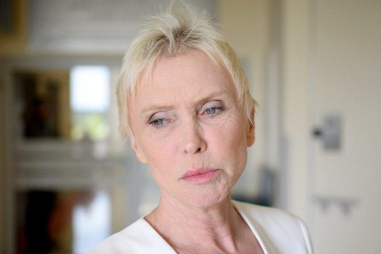 """""""Strasznie mi przykro, że coś takiego się stało"""". Ewa Błaszczyk mówi nam o zatrzymaniu terapeuty współpracującego z Kliniką Budzik pod zarzutem pedofilii."""