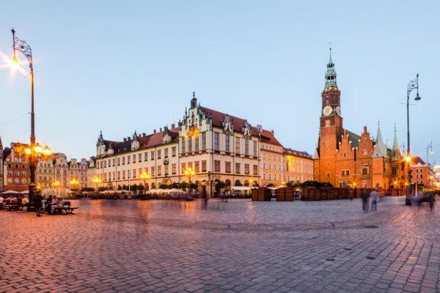 Rynek We Wrocławiu – stolicy Dolnego Śląska.