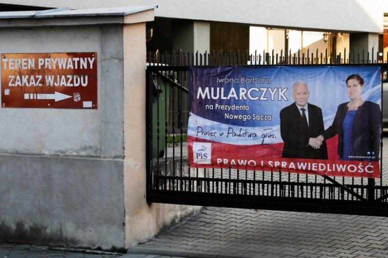 Iwona Mularczyk, mimo wsparcia m.in. Jarosława Kaczyńskiego, przegrała wybory w Nowym Sączu.
