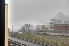 Kolejne doniesienia w sprawie zawalonego wiaduktu w Genui wyłaniają niedbalstwo i lekceważenie ostrzeżeń.