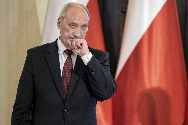 To urzędniczka ukrywała dysk – uważa minister Antoni Macierewicz.