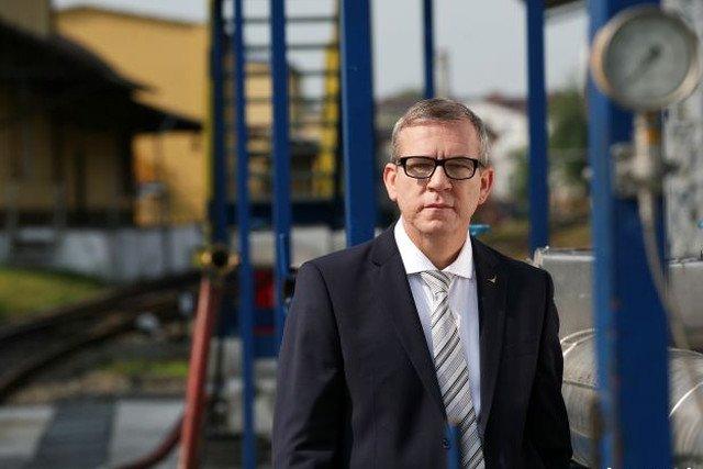 Dominik Tomczak, jednym kontraktem z Biedronką zyskuje 60 mln złotych.