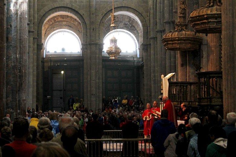 Msza święta dla pielgrzymów w katedrze w Santiago de Compostela.