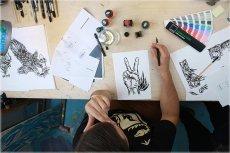Artysta przy pracy