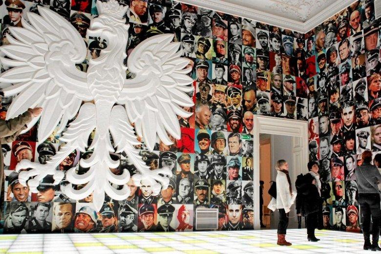 Wystawa Piotra Uklańskiego w Warszawie. Artysta, choć znany i ceniony na Zachodzie, w Polsce nie cieszy się szeroką popularnością.