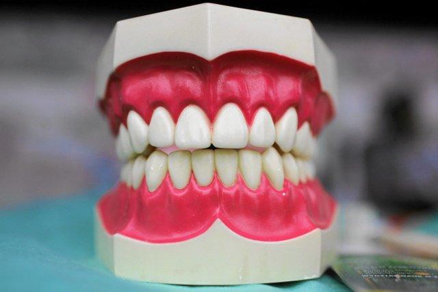 800 tysięcy Polaków nie posiada własnej szczoteczki do zębów