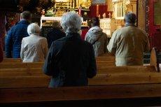 Kobieta zemdlała podczas mszy św. w kościele w Koninie w woj. małopolskim. Potwierdzono u niej zakażenie koronawirusem.