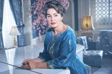 Jessica Lange, która po 60-ce wygląda jak milion dolarów i jest gwarantem sukcesu każdej produkcji.