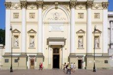 Kościół św. Anny na Krakowskim Przedmieściu w Warszawie. Tu zaprotestowano przeciwko reformie sądów według PiS.