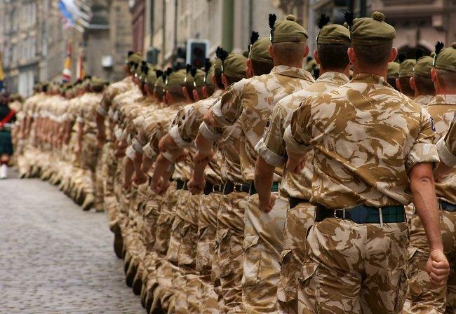 Spośród 46 tys. brytyjskich żołnierzy wysłanych do Iraku śmierć poniosło 179 z nich.