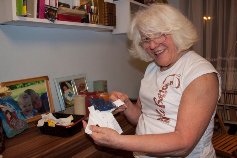 Danuta Nowak-Walentynowicz lubi sprawiać radość. Zaczęło się od ubranek dla Barbie wnuczki.