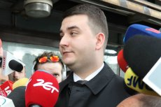 """Bartłomiej Misiewicz odpowiedział na zarzuty, które pojawiły się pod jego adresem w tygodniu """"Sieci""""."""