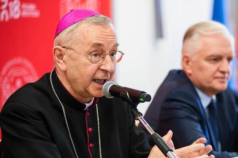 Kierowana przez abp. Stanisława Gądeckiego kuria poznańska nie chce przekazać śledczym akt księdza-pedofila.