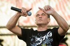 Paweł Kukiz dużo koncertuje.