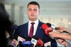 Bartłomiej Misiewicz przynajmniej na razie nie zajmuje żadnego stanowiska w resorcie obrony narodowej i spółkach skarbu państwa