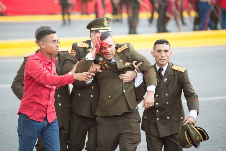Próba zamachu na prezydenta Wenezueli Nicolasa Maduro. Politykowi nic się nie stało, rannych zostało kilku żołnierzy.