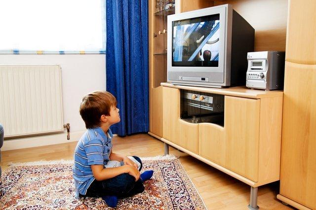 Klarin zdejmuje z rodziców odpowiedzialność za przedawkowanie telewizji. Nadwątlały wzrok w razie czego wzmocni suplement diety