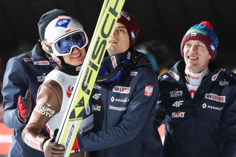 Kamil Stoch, Dawid Kubacki, Stefan Hula i Maciej Kot zajęli drugie miejsce w konkursie drużynowym w Oslo, który jest częścią turnieju Raw Air.