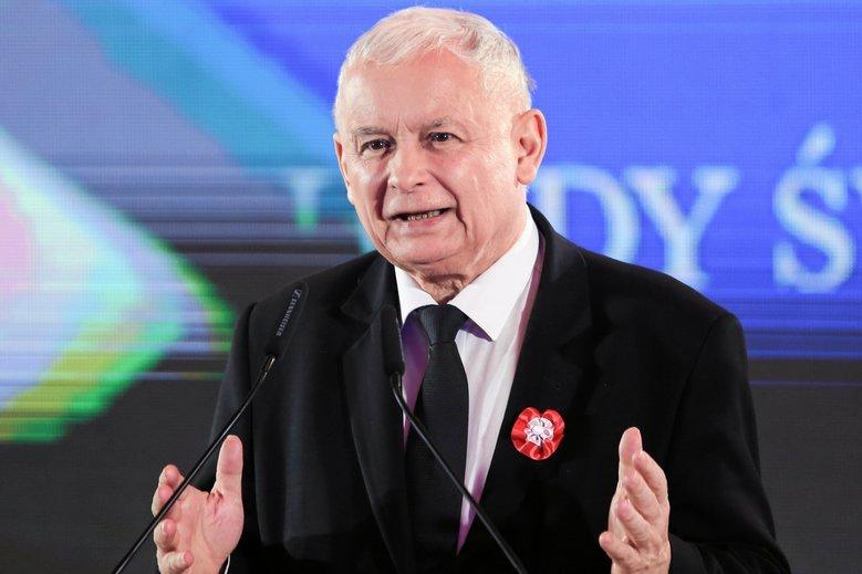 Dwa sondaże i dwa zupełnie różne wyniki. Ten przygotowany przez kantar daje zwycięstwo partii Jarosława Kaczyńskiego.