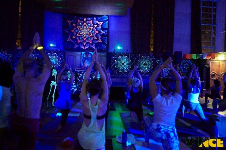 Kolorowa Yoga Rave